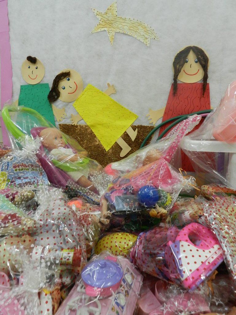 oficina-de-reciclagem-de-brinquedos-os-ajudantes-de-papai-noel-uva-5