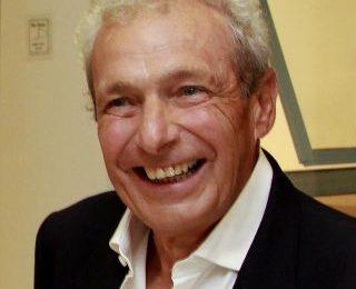 O fisioterapeuta francês Philippe Souchard criador do método RPG ministra palestra em Cabo Frio