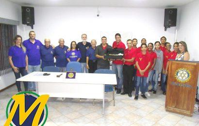 ROTARY CLUBE DE SÃO PEDRO DA ALDEIA REALIZA REUNIÃO FESTIVA