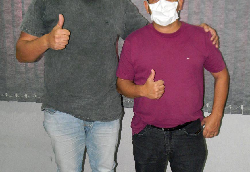 Fernando Mistura recebe representante da Associação de Moradores Jardins de São Pedro